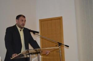 Nino Abramović za govornicom