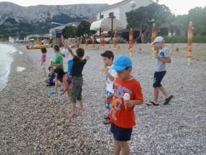 Djeca iz vrtića u Baškoj