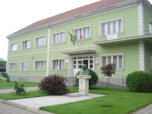 PLETERNICA-zgrada gradske uprave