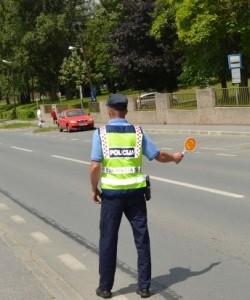 Policajac zaustavlja