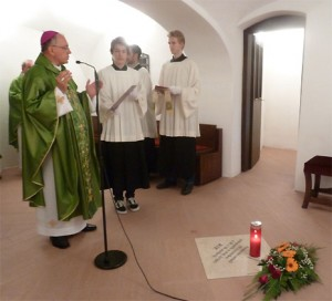 Biskup u kripti