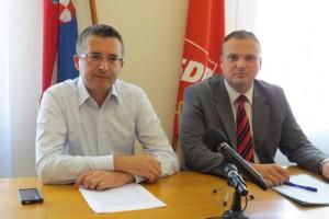 Tiskovna u SDP-u 17.9.2015. - Jakobović i Horvat - Copy