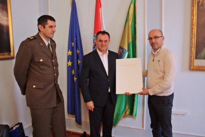 Župan Toimašević sa ravanateljem memorijalnog centra Ukovar